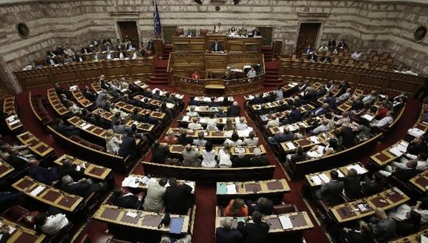 Grecia, sì a secondo pacchetto riforme