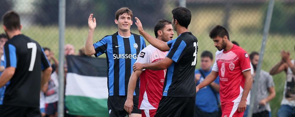 Atalanta-Hebron, amichevole a Rovetta La vittoria è firmata De Roon - Video