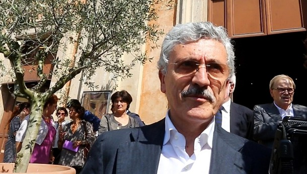 Fisco: D'Alema, Renzi da cosa comincia?