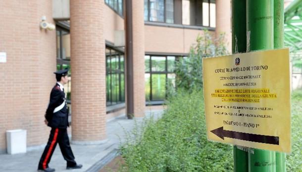 Piemonte: firme false, 11 indagati