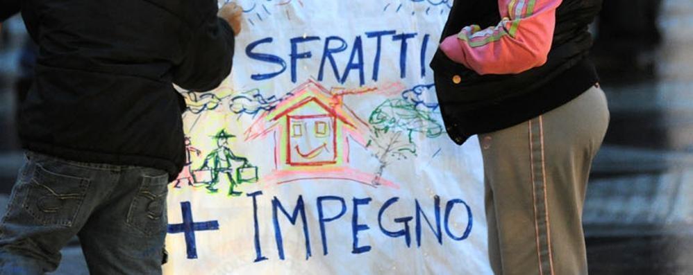 «Invalida grave rischia lo sgombero» Bergamo, l'Unione inquilini si mobilita