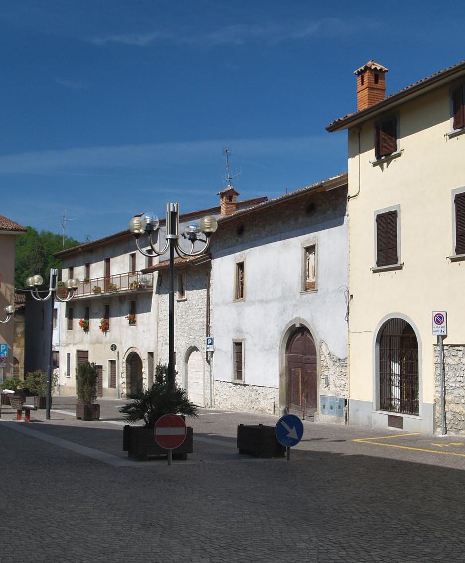 La piazza di Entratico