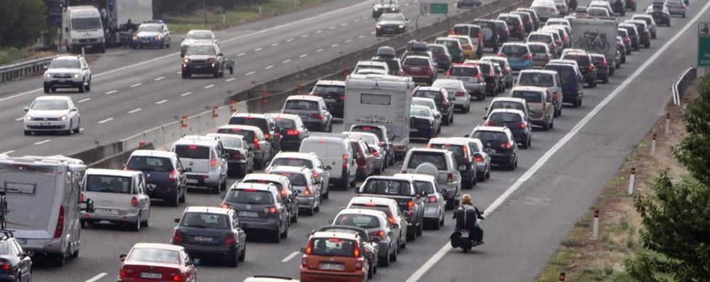 Vacanze, bollino nero sull'8 agosto Ecco i giorni critici per le autostrade