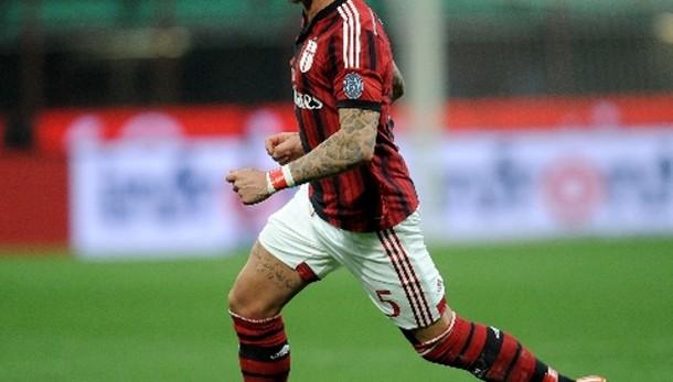 Prodezza Mexes e il Milan batte l'Inter