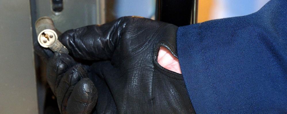 Furti in casa, con le vacanze sale l'allerta La polizia: 6 mosse per difendersi dai ladri