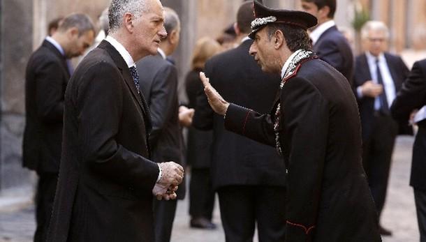 Roma: Gasparri, Gabrielli sciolga comune