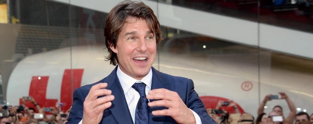 Folla in delirio a New York per Tom Cruise Mission Impossible 5 - Guarda il video