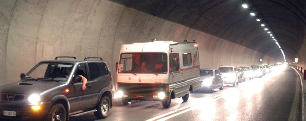 Si cambia l'impianto di illuminazione Val Brembana, tre giorni senza gallerie