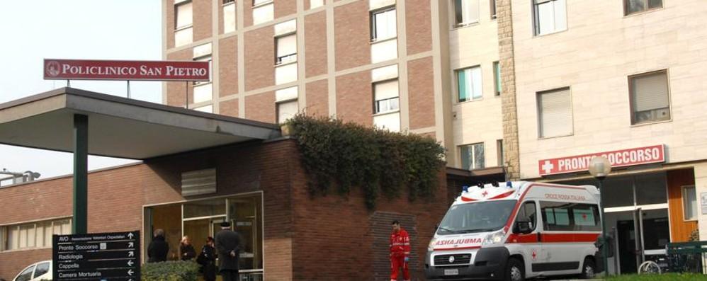 Scippi e aggressioni vicino al Policlinico Ponte San Pietro, l'allarme dei sindacati