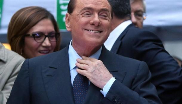 Berlusconi, Milan in corsa per scudetto