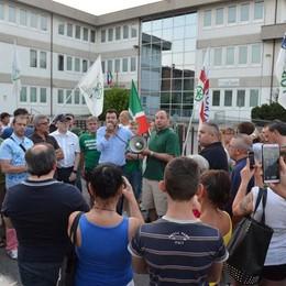 Profughi a quota 638 in 17 paesi All'alba altri venti arrivi a Romano
