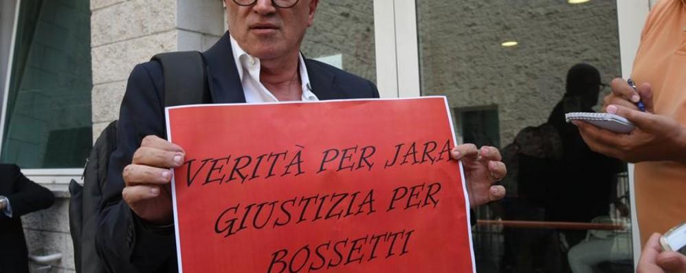 Bossetti torna in aula il 17 luglio - foto e video «Più tranquillo, ho fiducia della giustizia»