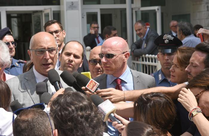 I due avvocato di Bossetti, ovvero Salvagni (a sinistra) e Camporini (a destra)