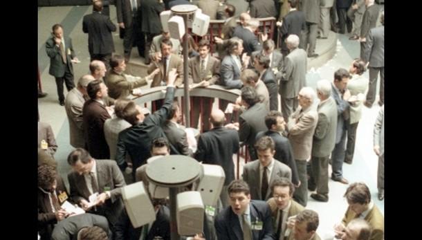 Borsa: a Milano raffica di sospensioni