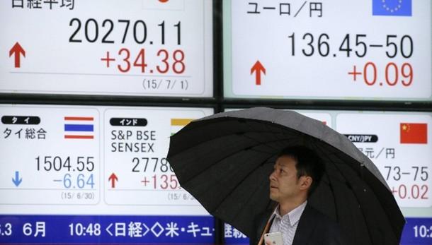 Borsa Tokyo chiude a -2,08%, pesa Grecia