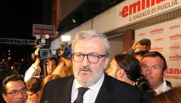 Emiliano nomina assessori, anche 3 M5s