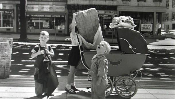 Lo sguardo di Vivian Maier in 120 scatti