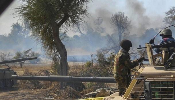 Nigeria: esplose due bombe, 44 morti