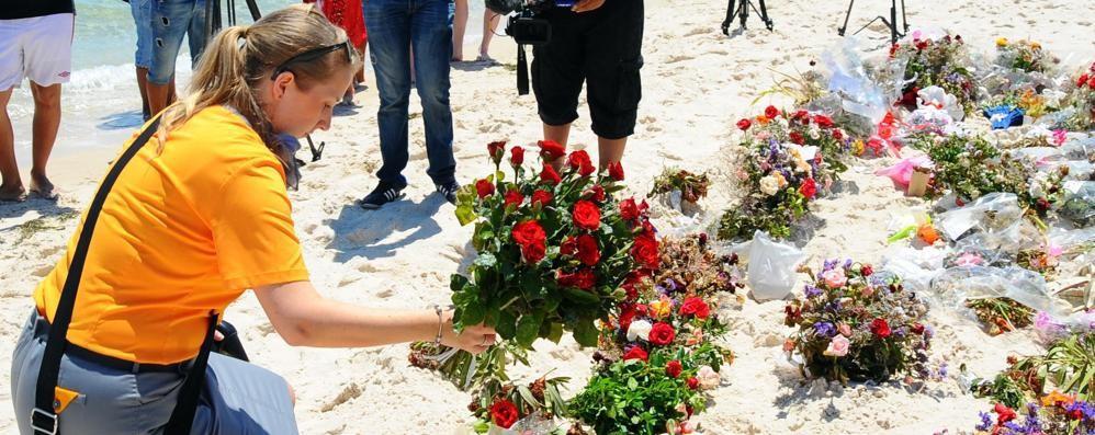 Ritorno sulla spiaggia del terrore Tunisia, un difficile domani - Video