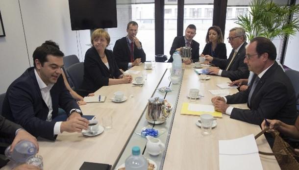 Grecia chiede a Esm prestito triennale