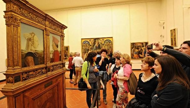 Italiani tornano a spendere per cultura