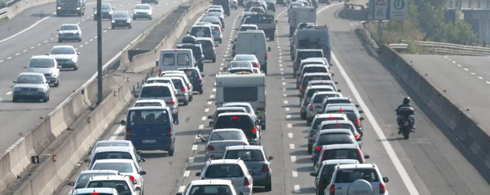 A4: caos tra Bergamo e Brescia Camion ribaltati e traffico in tilt
