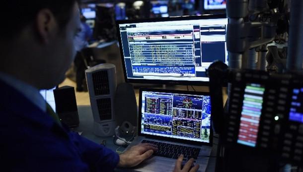 Borsa: Milano apre in rialzo, +0,27%