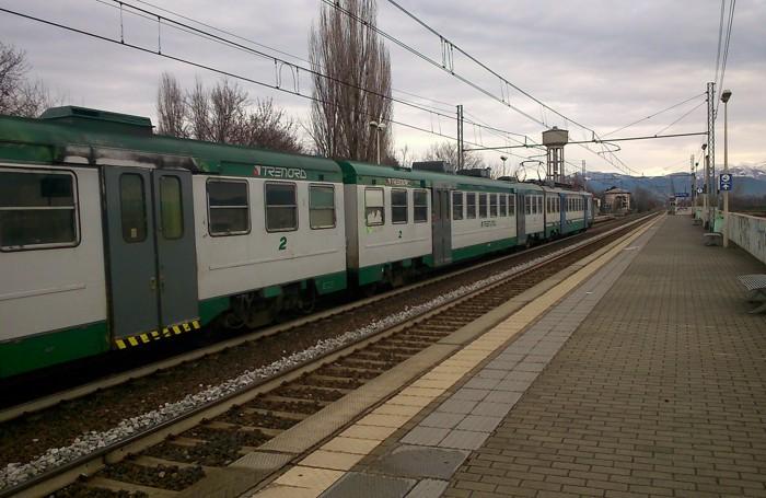 Un treno di Trenord nella Bassa
