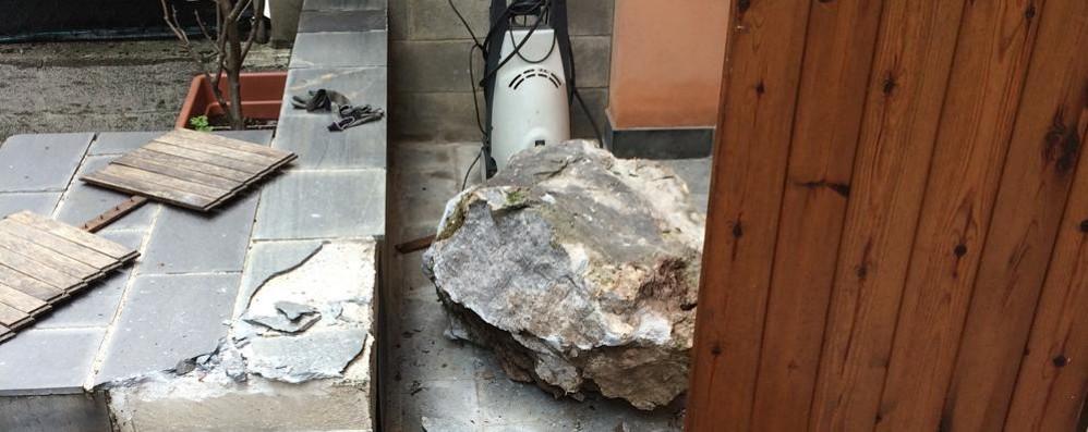 Macigno sulle case a San Pellegrino Vietato utilizzare terrazzi e aree esterne