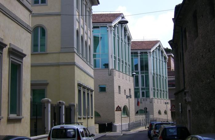 Il Tribunale in via Borfuro