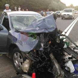 Schianto frontale tra auto: 5 vittime Muore in vacanza con la compagna
