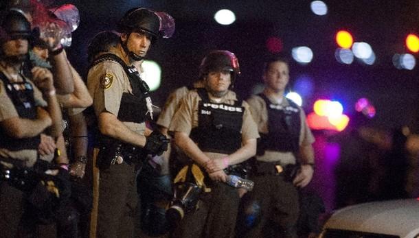 Stato d'emergenza a Ferguson dopo spari