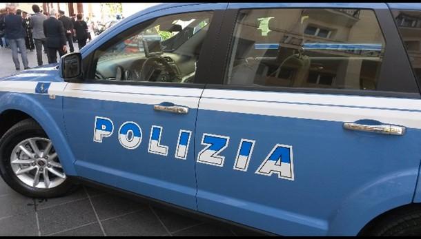 Bimbo cade da balcone a Salerno, è grave