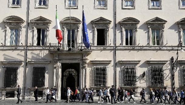 Pil: Istat, nel secondo trimestre +0,2%