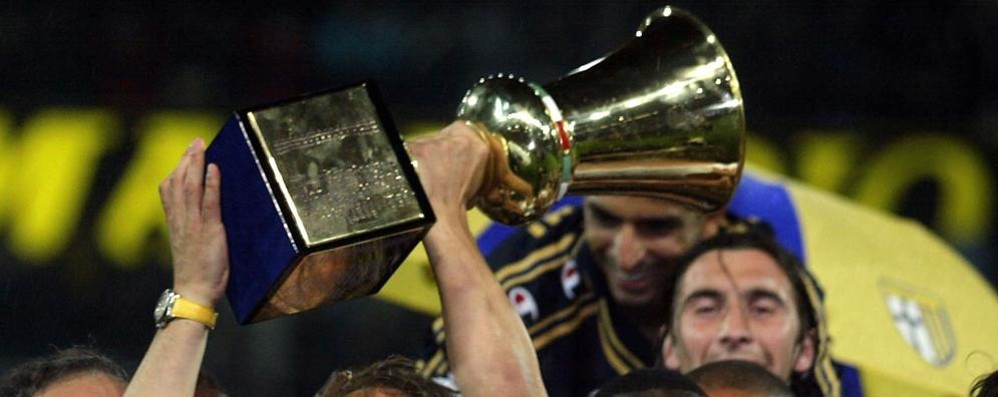Mettiamoci in salotto una Coppa Italia Ecco cosa si vende all'asta del Parma