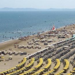 Malore in spiaggia a Rimini Muore pensionato di Martinengo