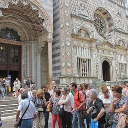 Agosto, boom di turisti in Città Alta Ma restano poco: la media è di 6 ore
