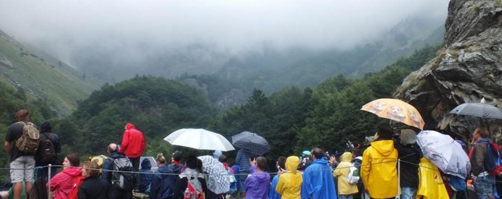Serio, le cascate nascoste dalla nebbia Delusione in quota. Si ritenta a settembre