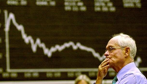 Borsa Milano cede dopo Wall street, -7%