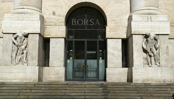 Borsa: Milano sprofonda, -6%