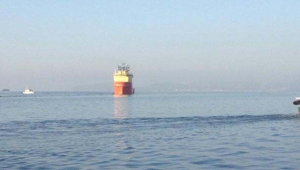 Giunta a Cagliari nave con 963 profughi
