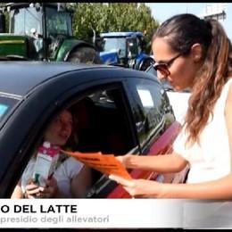 Prezzo del latte. Presidio degli allevatori al Casello di Bergamo.