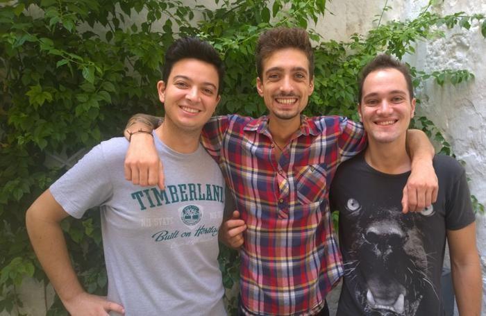 Luca Garbi con Davide e Ivan, i suoi ex compagni di scuola