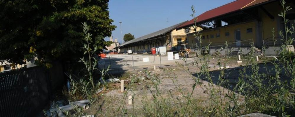 Stazione, nell'area dello spaccio scattati i lavori per il parcheggio
