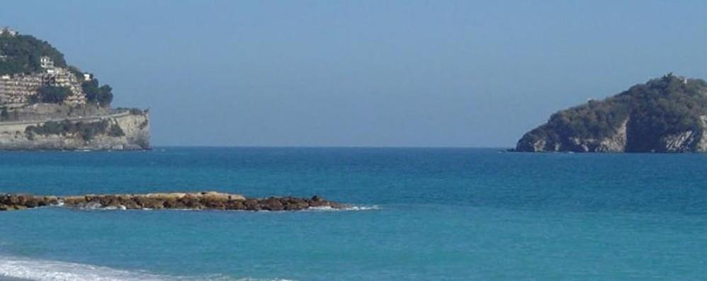 Malore durante il bagno in mare Turista bergamasca muore in Liguria