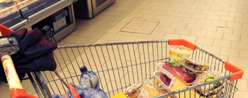 Altroconsumo e la mappa della spesa Ecco come risparmiare fino a 3.500 €