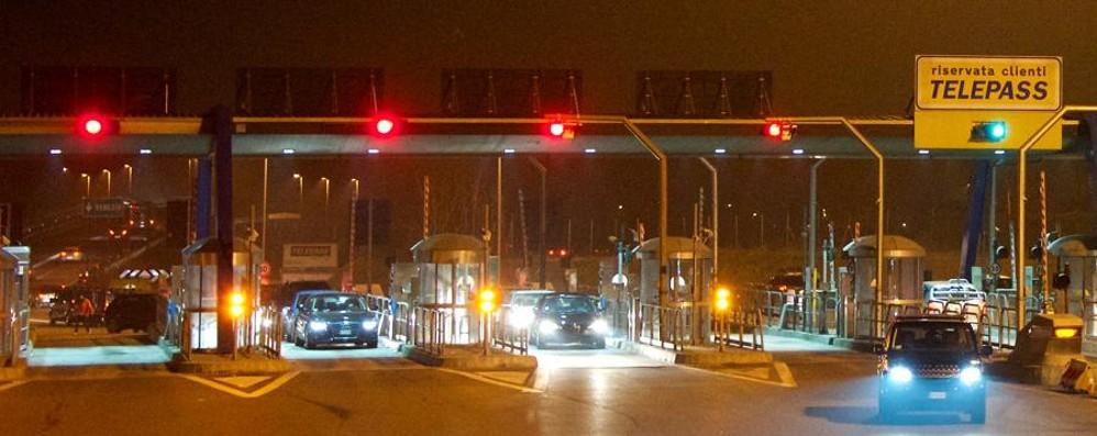 Autostrada, chiuso il casello di Bergamo E sul web l'A4 si fa in 6 minuti - Video