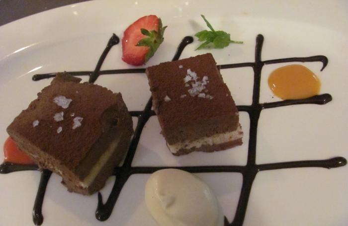 I cremini ai due cioccolati preparati come dessert