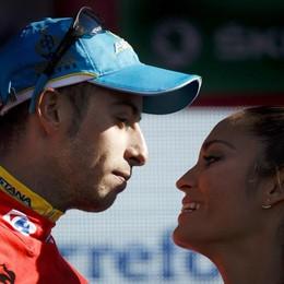 Le mani di Fabio Aru sulla Vuelta Penultima tappa, schiantato Dumoulin