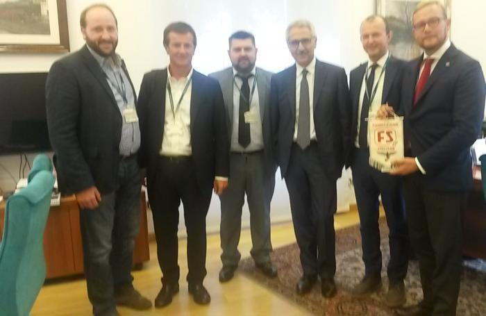 Da sinistra: Rossi, Gori, Sorte, Gentile, Sanga e Cantamessa nella foto postata su Facebook dal presidente della Provincia